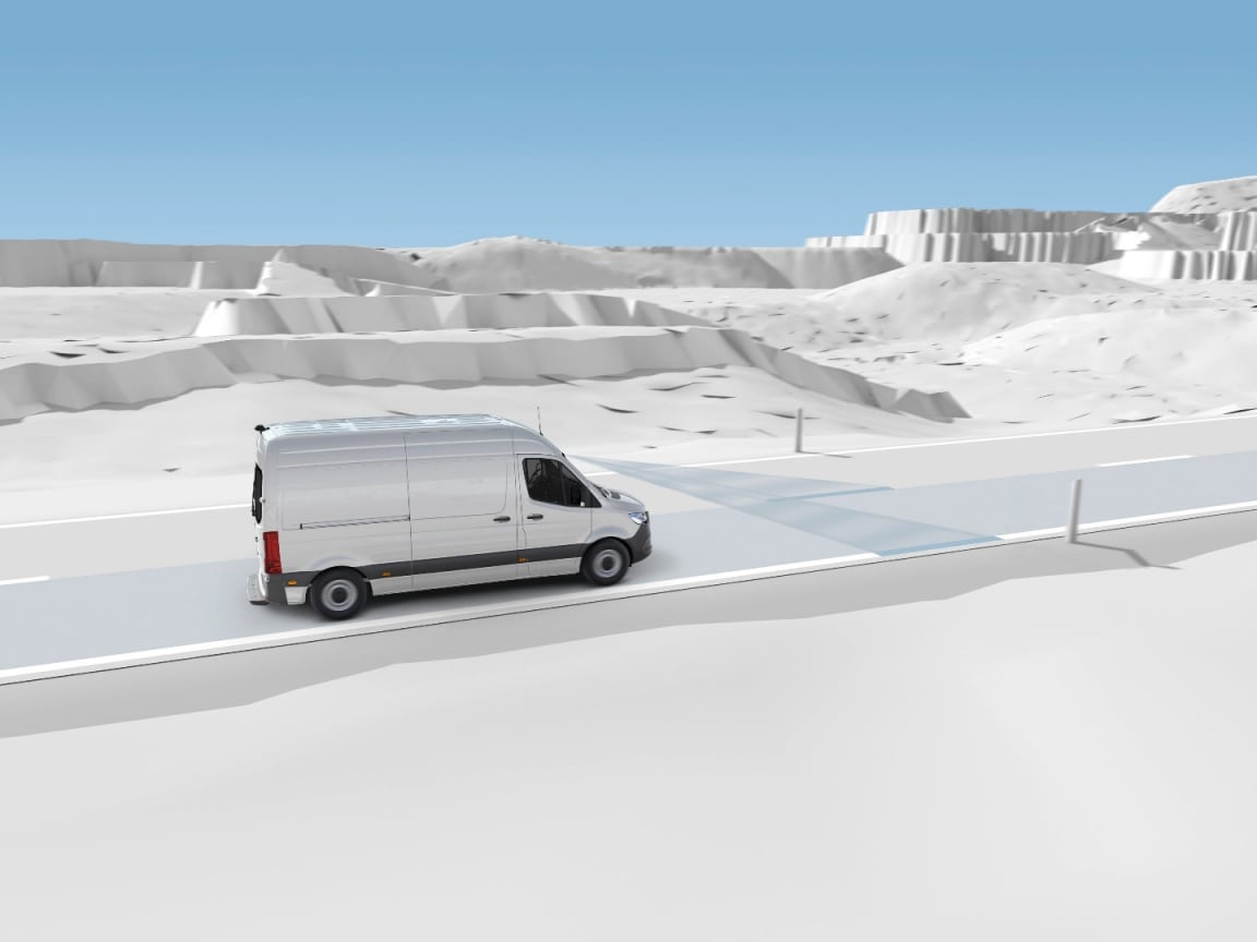 Mercedes-Benz Sprinter Tourer, assistant de franchissement de ligne actif.